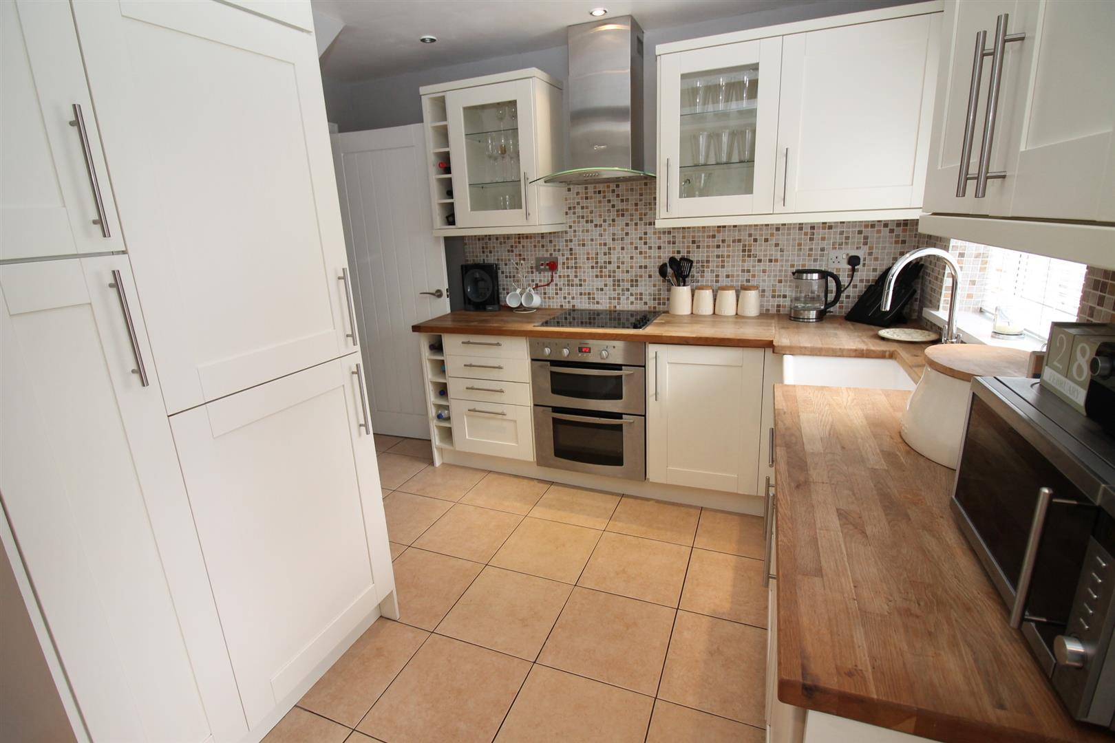Double Glazed Kitchen Doors 3 Bedroom House Semi Detached For Sale Wentworth Avenue Urmston